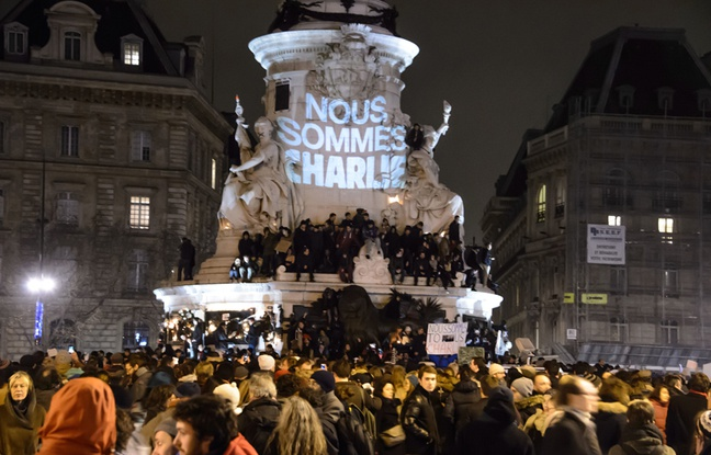 648x415_rassemblement-soutien-charlie-hebdo-place-republique-7-janvier-2015